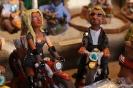 Cool statt kitschig auf dem Weihnachtsmarkt, sie ist in zweifachem Sinne schärfer als er ;-)
