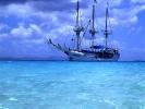 Liegen vor Sandy Cay auf Reede